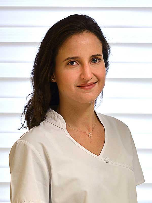 Dr. Kurucz Imola, Fogorvos